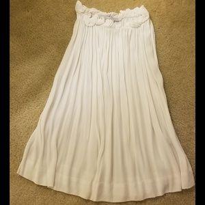 Diane Von Furstenberg new white flowy blouse